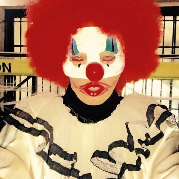 madonna-vestita-da-clown-per-halloween-maxw-800318C00FC-30E8-B0F1-75A4-409C6701FB6A.jpg